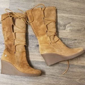 Ugg Elsey round toe wedge lace up boots size 8